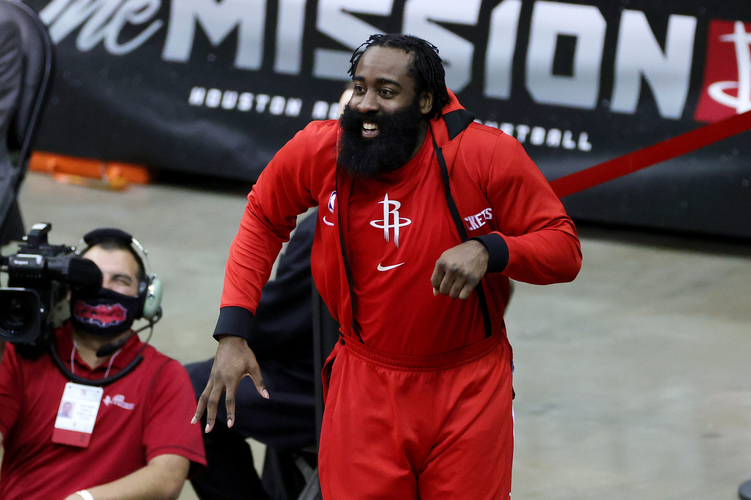 "NBA-Silver defends Harden punishment: ""It's Christmas"""